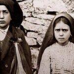 Jacinta y Francisco, los dos hermanos pastorcitos de Fátima, ya son santos