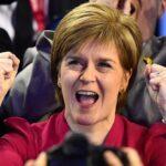 Sturgeon descarta que auge torie en Escocia altere su voluntad de referendo
