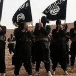 EI mata y cuelga de postes a más de 145 civiles que intentaban huir de Mosul