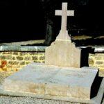 Charles de Gaulle: Profanan tumba de expresidente francés