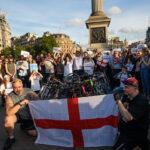 Reino Unido: Emotiva vigilia en memoria de víctimas del atentado terrorista (VIDEO)