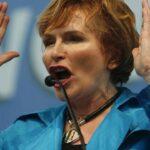 Sudáfrica: Oposición suspende a su líder histórica por tuit sobre colonialismo