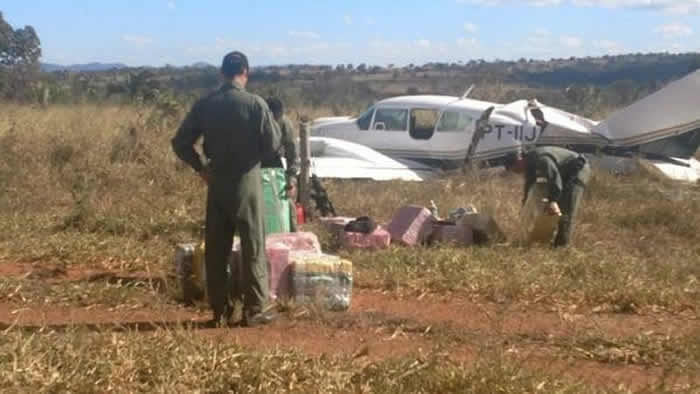 Interceptan narcoavioneta que partió del campo de ministro de Temer — Brasil