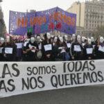 """Argentina: """"Ni una menos"""" vuelve a escucharse ante crecientes feminicidios"""