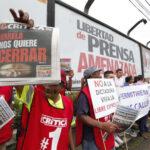 Panamá: Grupo editorial denuncia intenciones del Gobierno de cerrar 3 diarios