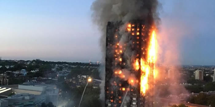 Policía británica admite imposibilidad de identificar a las víctimas del incendio