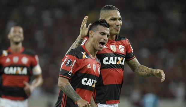 Mira el golazo de Trauco en el empate del Flamengo