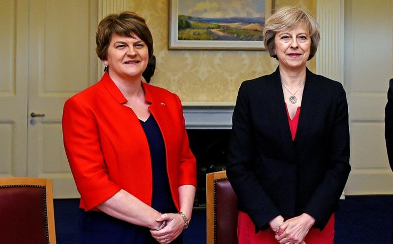 La primera ministra May perdió la mayoría, según los sondeos