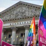 Matrimonio homosexual llegará esta semana al Parlamento alemán con polémica