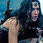 Mujer Maravilla renegociará su contrato: cobra 50 veces menos que Supermán