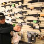 EEUU: Informe registra que un 30% de estadounidense admite tener armas