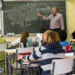 Uruguay promueve educación sexual en sus escuelas con libro para docentes