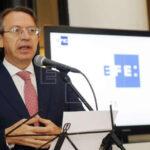 Presidente de EFE: El periodismo debe informar, criticar, denunciar y elogiar