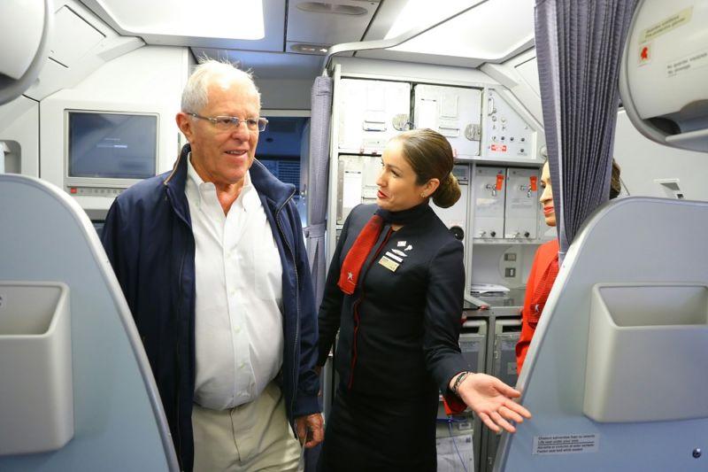 Presidente Kuczynski inaugura vuelos de Latam Airlines entre Lima y Jauja