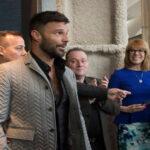 """Ricky Martin dice que asume """"muy bien"""" el papel de amante de Versace"""