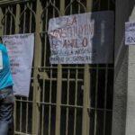 Venezolanos empapelan centros de voto contra la Constituyente (VIDEOS)