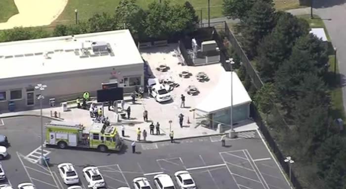 Auto atropella a peatones cerca del Aeropuerto Internacional Logan — Boston