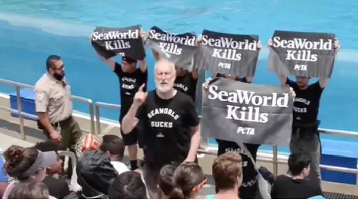 Arrestado James Cromwell, actor de 'Babe', por protesta en SeaWorld