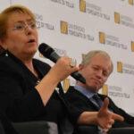 """Chile: Bachelet advirtió riesgo de """"restauración conservadora"""""""