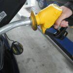 Francia dejará de vender vehículos de gasolina y diesel al 2040