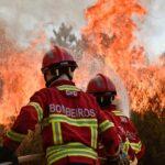 El fuego en el centro de Portugal continúa sin control tras cuatro días
