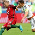 Mexicanos arremeten contra el árbitro tras perder ante Portugal (VIDEO)