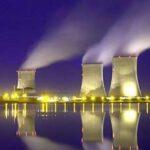 Francia se compromete cerrar hasta 17 reactores nucleares antes de 2025