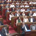 "Parlamento catalán aprobó reforma para promulgar leyes de ""ruptura exprés"""