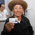 Día Nacional del Adulto Mayor: Trámites gratuitos desde 65 años