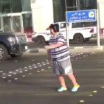 Arabia Saudí detiene a niño por bailar la Macarena en la calle