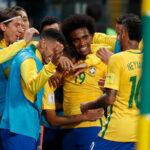 Brasil derrota 2-0 a Ecuador y lo complica en la tabla