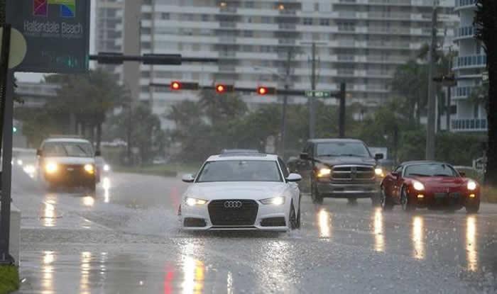 Miami Beach se recupera de las inundaciones dejadas por tormenta Emily