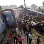 India: Al menos 23 muertos y 40 heridos al descarrilar un tren