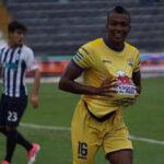 Alianza Lima cae 3-0 ante Delfín SC en floja actuación del campeón del Apertura