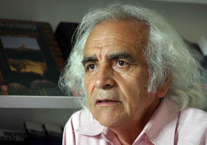 Falleció el poeta Arturo Corcuera, el mago de las palabras