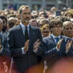 Atentado en Barcelona une al rey Felipe, Mariano Rajoy y al presidente catalán (VIDEO)