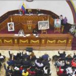 Venezuela: Asamblea Constituyente disuelve Parlamento y asume funciones legislativas
