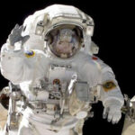 Rusia: Cosmonautas lanzan primer satélite fabricado con impresión 3D (VIDEO)