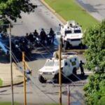 Venezuela: Asalto a base militar pone en alerta a Fuerzas Armadas (VIDEOS)
