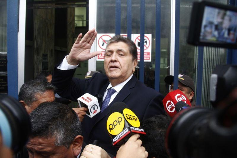 Alan García declara ante la Fiscalía por caso Odebrecht en Perú