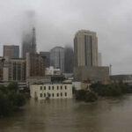 EEUU: Liberarán aguas de las represas ante peligro de desbordes tras Harvey (VIDEO)