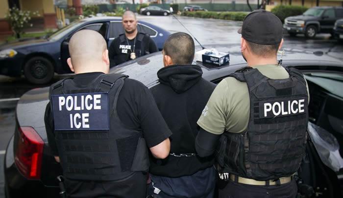 Juez Federal bloquea parte de la ley antiinmigrante SB4 en Texas