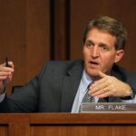 EEUU: Senador republicano pone en tela de juicio supervivencia de su partido