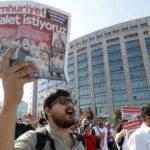 Ordenan arresto contra 35 periodistas turcos acusados de golpismo