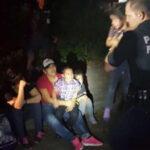 México: Rescatan a 43 migrantes que viajaban hacinados y sin agua en camión