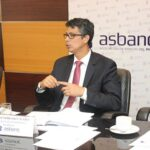 Asbanc: Empresas prefieren endeudarse en dólares a corto plazo