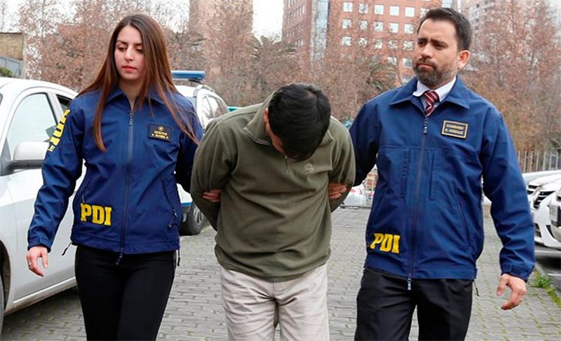 Detienen a mujer acusada de vender la virginidad de su hija