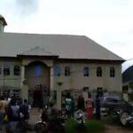 Nigeria: Se eleva a once los muertos tras ataque a una iglesia en Nigeria