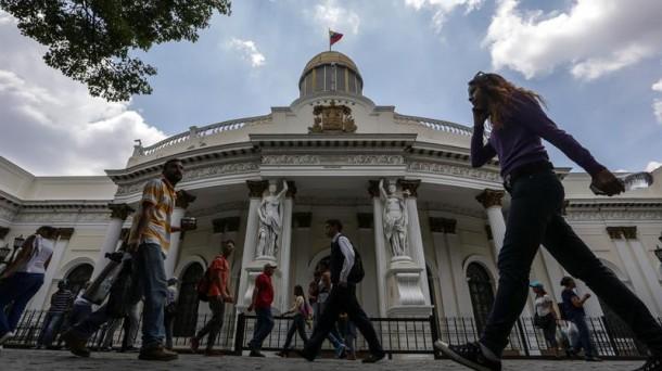 Se instala la Asamblea Constituyente en Venezuela sólo con chavistas