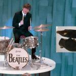 Subastan por € 5,492 las botas de ante negro de Ringo Starr
